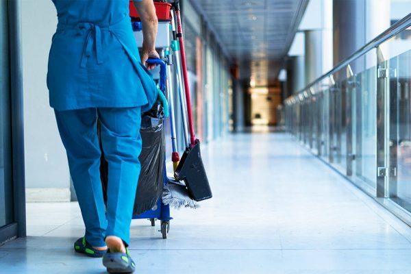Por qué es importante tener contratado a todo el personal de limpieza